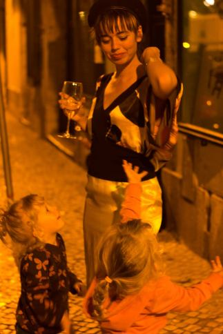 meeting the audience at Giv Lowe gallery, Lisbon 2015